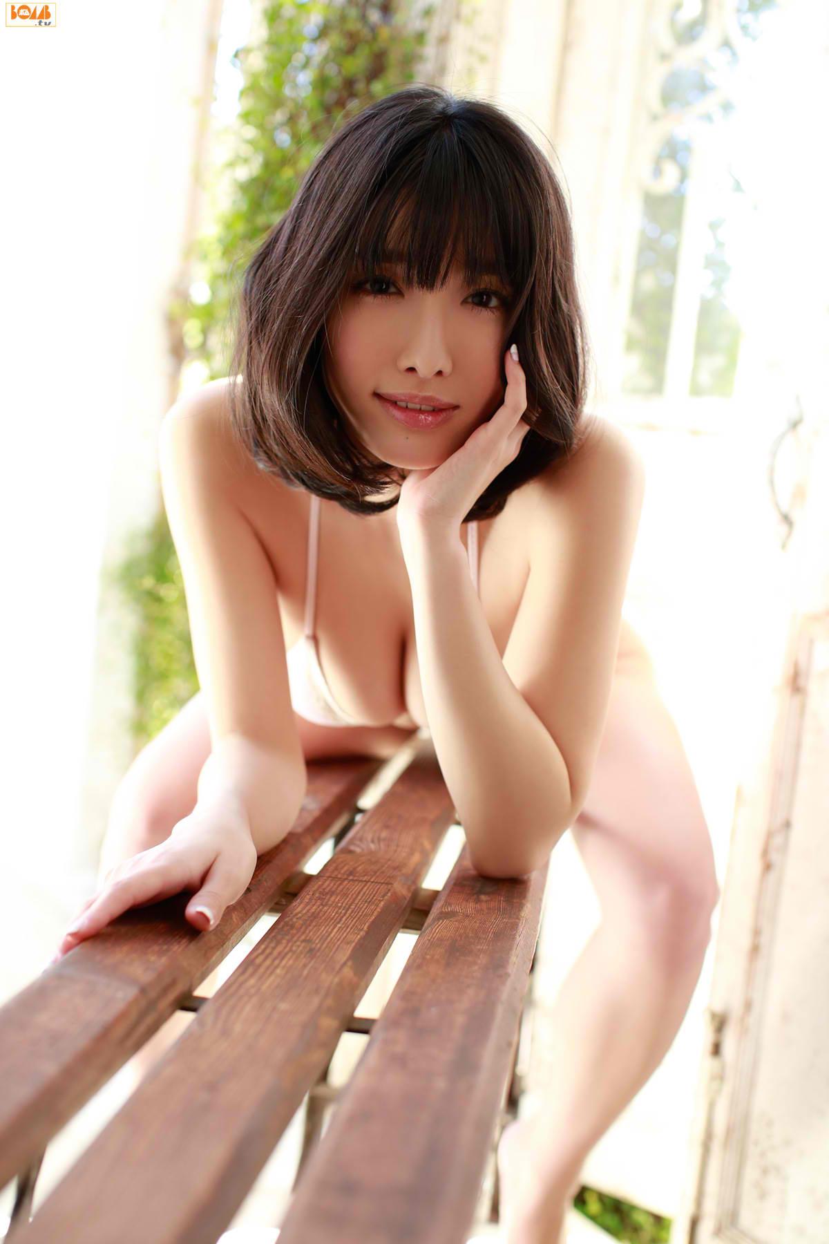今野杏南 乳首エロ画像017