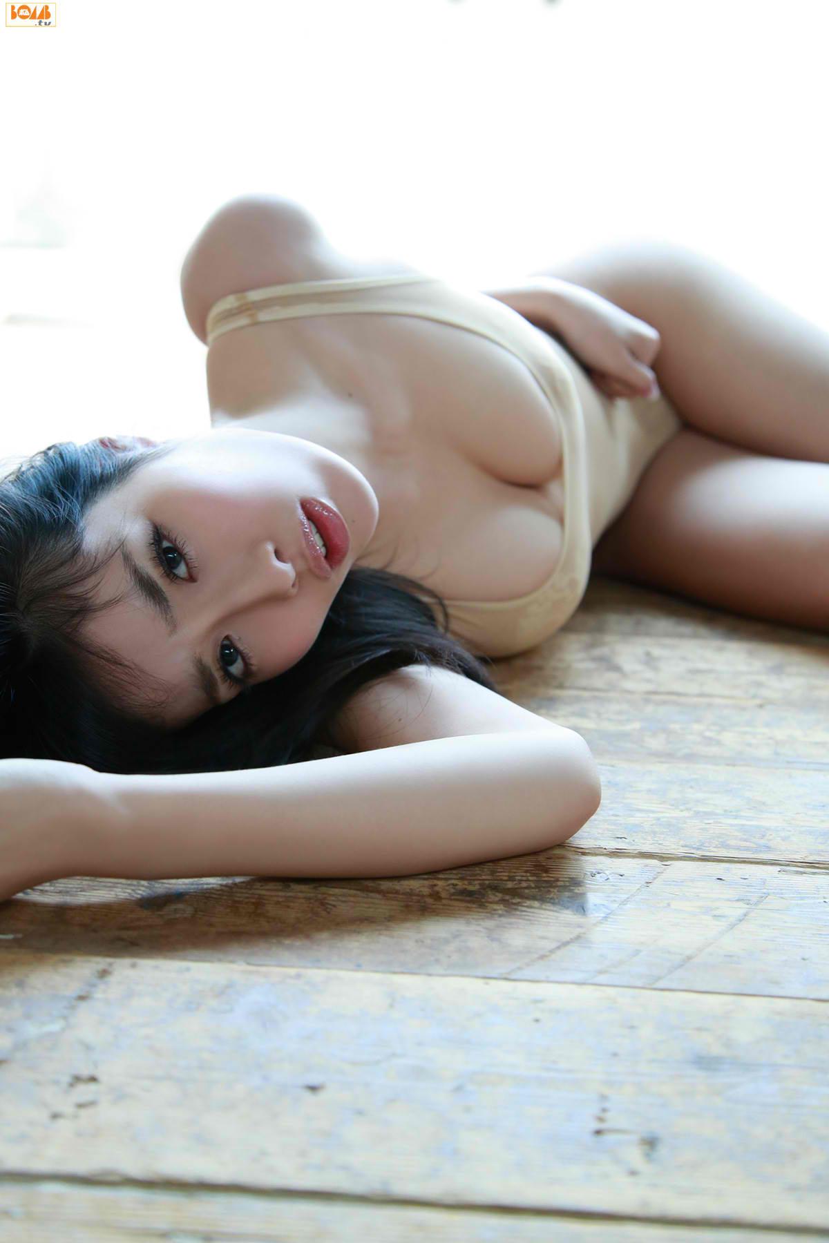 今野杏南 乳首エロ画像076