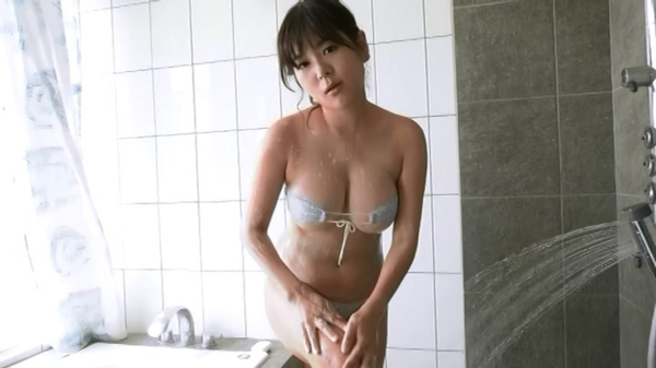 松川悠菜 セミヌードエロ画像037
