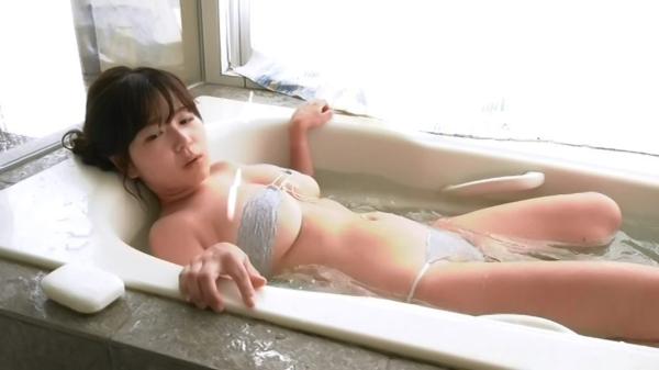 松川悠菜 セミヌードエロ画像040
