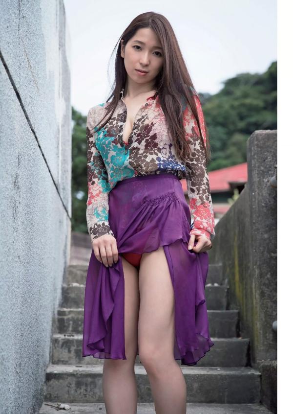 鶴あいか セミヌードエロ画像002