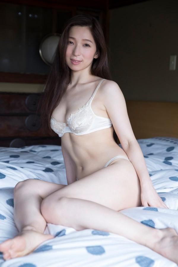 鶴あいか セミヌードエロ画像011