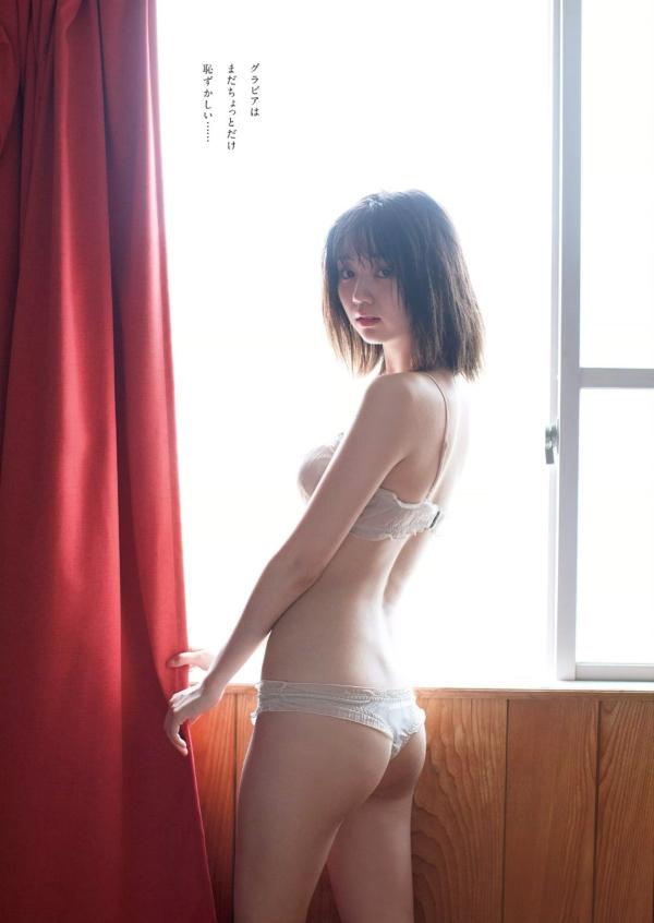 江野沢愛美 水着エロ画像003