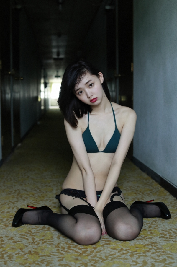 江野沢愛美 水着エロ画像007