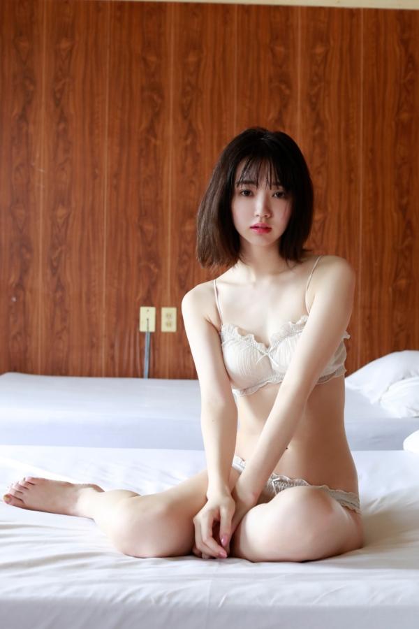 江野沢愛美 水着エロ画像009
