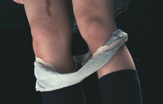 池田エライザ、パンツ脱いで生理の血が垂れる☆衝撃の瞬間がコチラ…(えろ写真69枚)