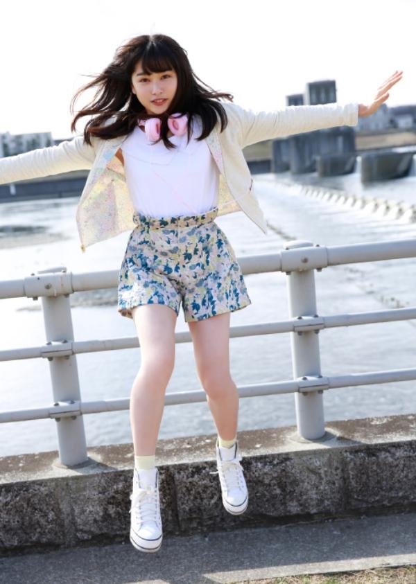 桜井日奈子 胸チラエロ画像020