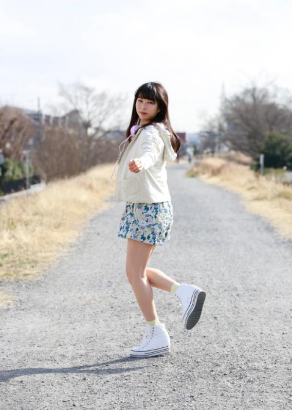 桜井日奈子 胸チラエロ画像022