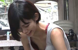 【放送事故】ドキュメンタリー番組で美少女(15)のおっぱいが丸見えwww【エロ画像17枚】
