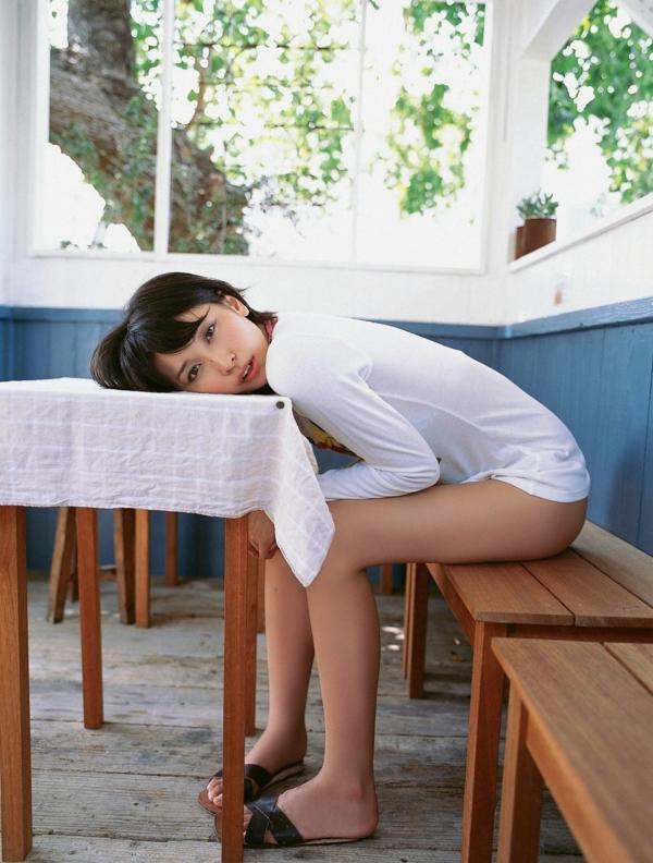 山崎真実 透け乳首エロ画像021