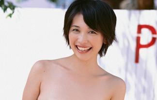 山崎真実の透けチクビ、実は9年前に解禁していた☆ハッキリ映ってる…(えろ写真62枚)
