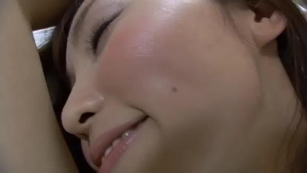 吉木りさ 乳首エロ画像029
