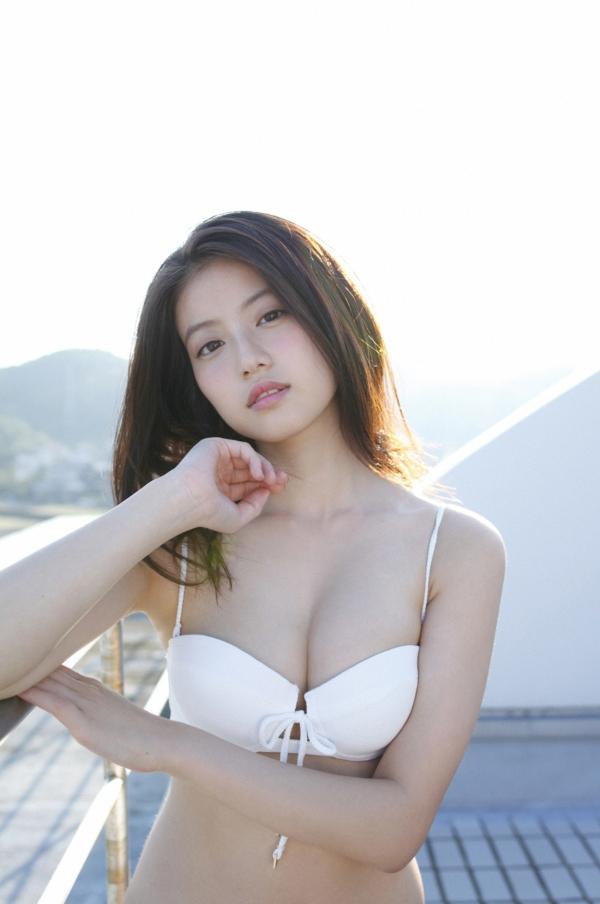 今田美桜 パンチラエロ画像034