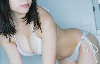 桃月なしこ 物凄い美形の現役ナァスがグラビア新人でミズ着解禁☆(えろ写真100枚)