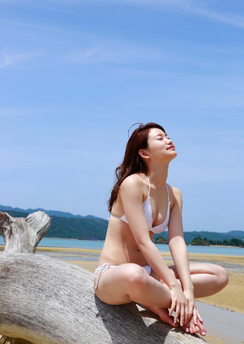 永尾まりや 乳首エロ画像034