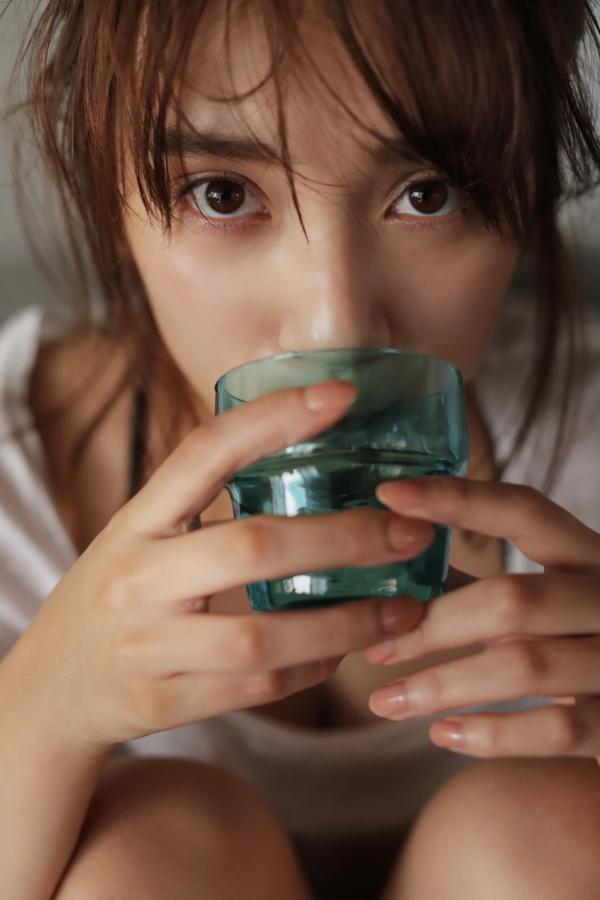 都丸紗也華 おっぱいエロ画像004