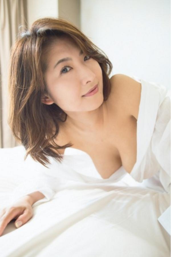 古瀬絵理 乳首エロ画像009