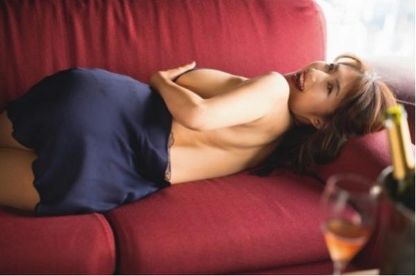 古瀬絵理 乳首エロ画像012