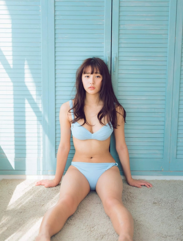 浅川梨奈 おっぱいエロ画像014