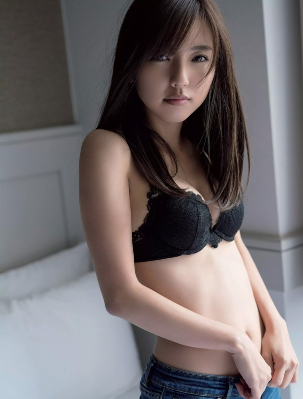 真野恵里菜 エロ画像014