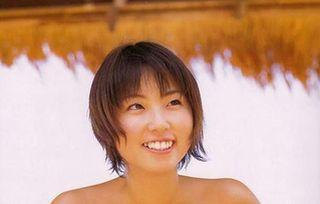 MEGUMI 乳首ポロリ&エロ画像100枚!水着グラビアの爆乳おっぱいがどエロすぎて速フルボッキwww