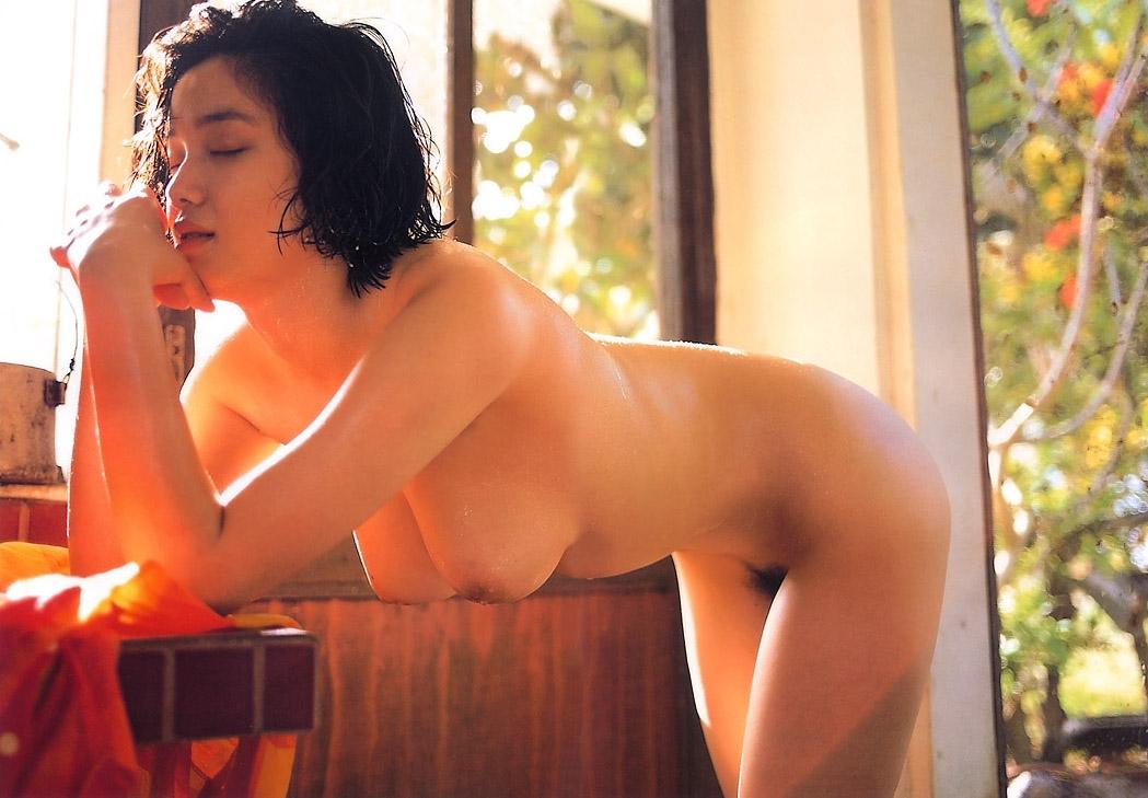 遠野奈津子ヌード画像118枚!美巨乳とヘアを晒し突然引退した伝説のグラドル! | ときめき速報 表紙