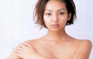 神田うのぬーど写真44枚☆嫌われ金持ちの裸がえろすぎて不覚にもフルボッキ…