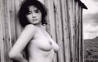 小島聖ぬーど写真56枚☆ヘア&チクビ丸出し写真や濡れ場がえろいロケット乳お乳女優☆