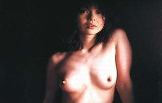 若林志穂ぬーど写真96枚☆いじめ被害を告白した女優のヘア&チクビ丸出し写真がえろい☆
