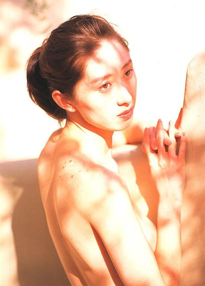 内海和子ヌード画像36枚!元おニャン子クラブのヘア&乳首丸出し全裸がエロすぎる! | ときめき速報 表紙