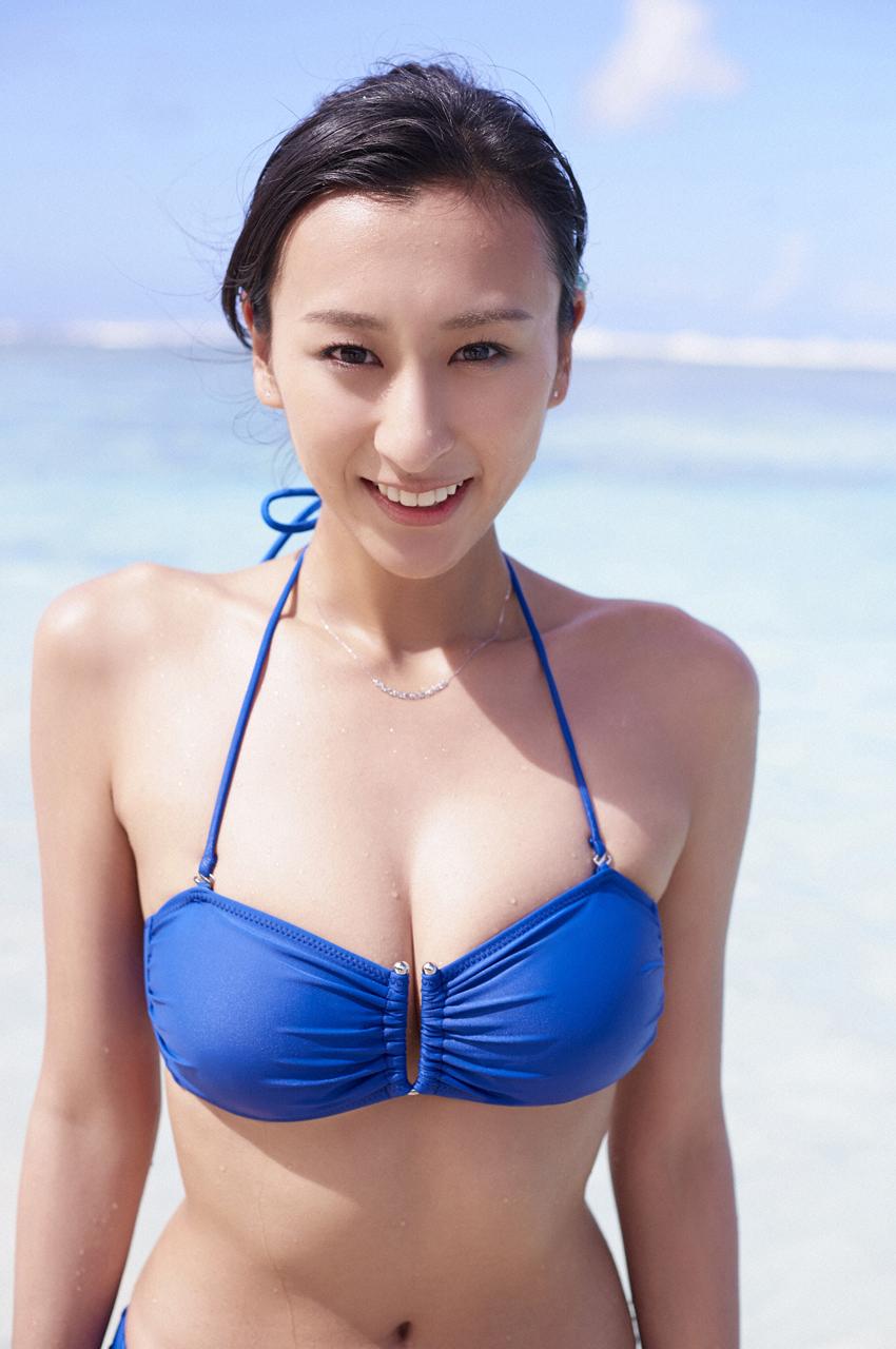 浅田舞エロ画像200枚!Eカップ巨乳おっぱいの下乳・水着・裸ギターまとめ!