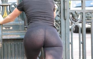 女「TBACKはパンツのラインが出ない」 ⇒ ラインどころかパンツそのものが見えてるんですがwwwwwwwwww