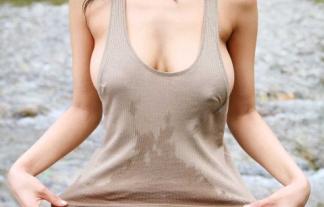 そろそろノースリーブの着衣美巨乳が幅をきかせる時期だからヒッキーの俺でも外出が楽しみだぜwwwwwwwwwwww(着衣お乳写真)