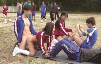 某サッカー部のSEX合宿がマジキチ(うらやま)すぎて教育委員会に通報するレベルwwwwwwwwww(えろ写真)