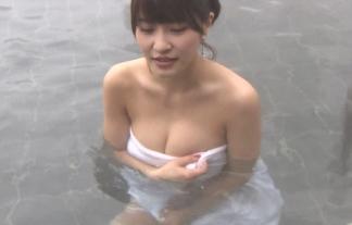 (胸チラ・谷間)混浴番組のお乳ポ少女シーンばっかり集めたったwwwwwwwwwwwwww(えろ写真)