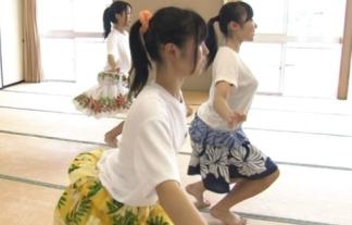 (GIFムービーあり)美巨乳10代小娘が尻振りコシ振りお乳ユッサユッサ揺れるけしからんえろ番組が凄いwwwwwwwwww