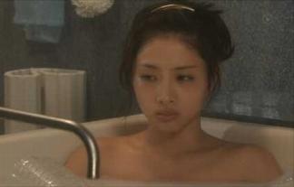 (お宝)石原さとみがドラマで入浴シーンwwwwww視聴率の為に脱いだかwwwwwwwwww(TVキャプ写真)
