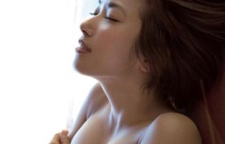 美巨乳、佐藤聖羅がまた裸ぬーどwwwwwwこのペースならチクビ解禁も近いぞwwwwwwwwww(えろ写真)