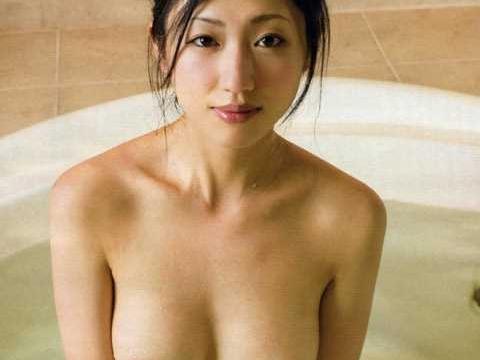 【画像】年末も普通にセックスしていた壇蜜のヌード特集www乳首もマン毛も出してるよwww