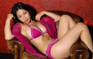 佐藤寛子ってお乳といいくびれといい結構ヌける体してたよな(写真117枚)