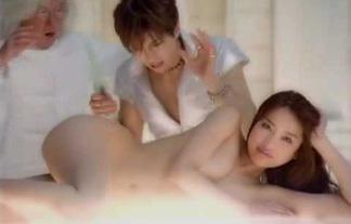 (美美巨乳)サトエリこと佐藤江梨子の裸が衝撃的だった件(写真・ムービーあり)