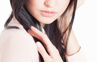 (賛否)世界で最も美しい顔に選ばれた女性のご尊顔がコチラ…(写真16枚)