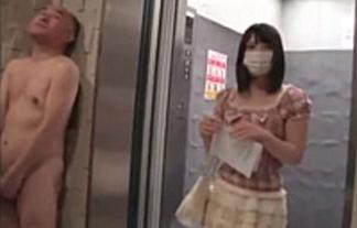 上原亜衣がエレベーターを降りると…裸おじさん登場し即ナカ出しSEXwwwwww(ムービーあり)