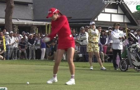韓国の超ミニスカゴルファーのぽちゃ太ももがえろ過ぎてゴルフどころではないんだがwwwwwwww