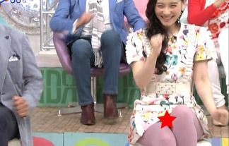 (パンツ丸見え)篠原ともえパンツマル見えハプニング☆衣装間違えたなwwwwww(GIFムービーあり)