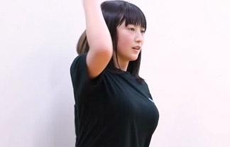 モー小娘。羽賀朱音(15)の美巨乳化が凄い☆確変突入でAからFカップに☆(乳揺れGIFムービー)