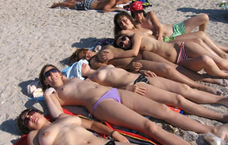 ボッキ不可避☆憧れのヌーディストビーチがパラダイス過ぎてたまらんwwwwwwww