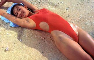 バブルとかいうハイレグ全盛期www腰のラインの美しさを強調する昭和の女たちwww