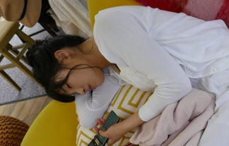 土屋太鳳ちゃんの寝顔が今世紀最大に愛おしいwwwwww「あざとくてもカワイけりゃ正義」