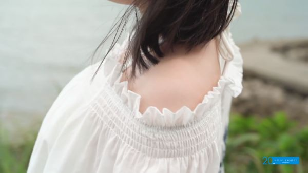 宮本佳林 乳首 エロ画像030